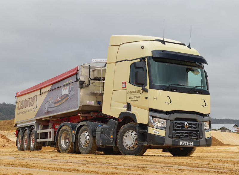 three new renault trucks for j clubb agg net. Black Bedroom Furniture Sets. Home Design Ideas