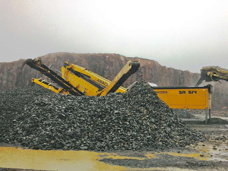 Anaconda SR514 two-deck aggregate screen