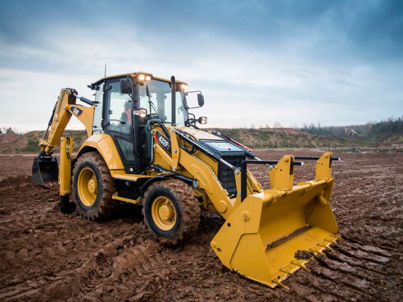 Cat 432F2 backhoe