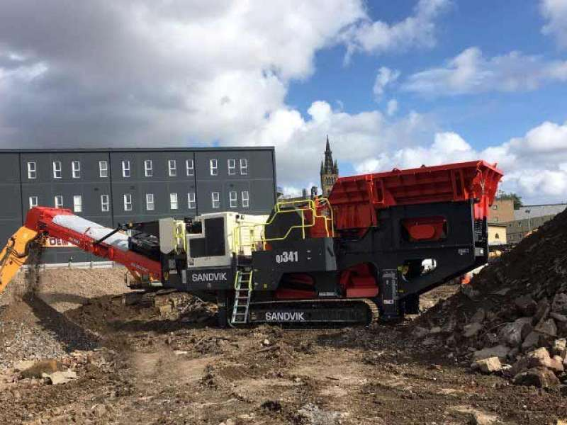 Sandvik QJ341 mobile jaw crusher