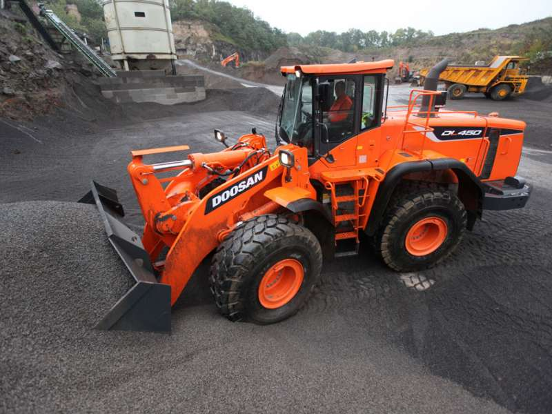 Doosan DL450-5 wheel loader