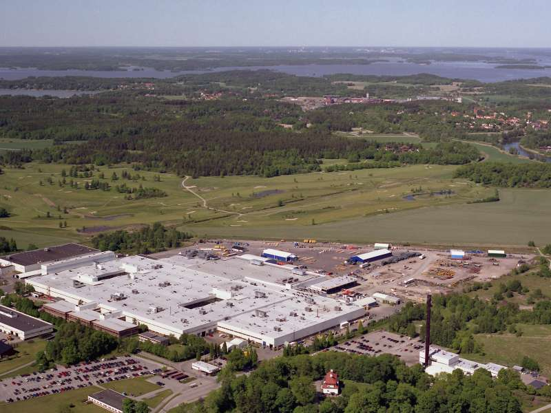 Axle and transmission factory