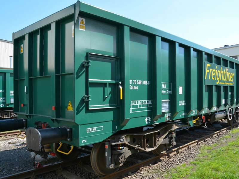 Freightliner box wagons