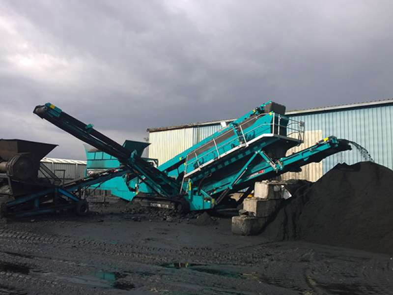 Powerscreen Chieftain 2100X mobile screen