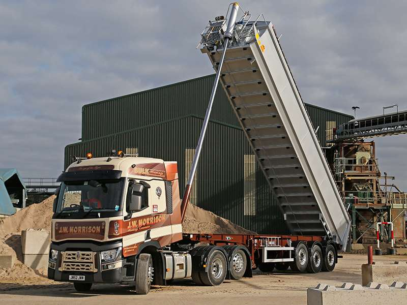 Hyva-fitted tipper