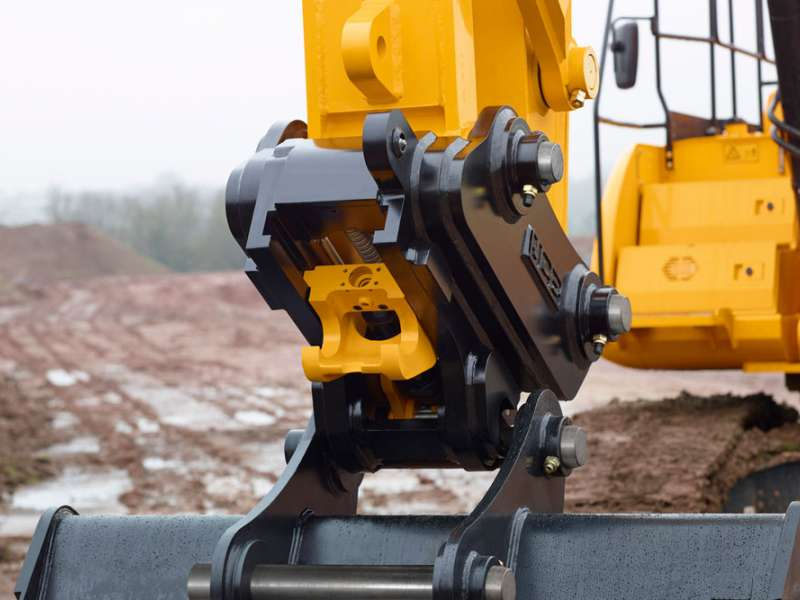 New JCB quick-hitch