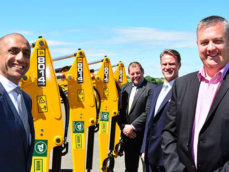 JCB secure deal with Travis Perkins