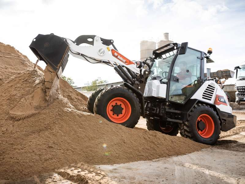 Bobcat L85 compact wheel loader