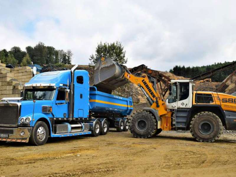 Liebherr L580 XPower wheel loader