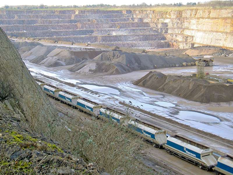 Mendip Rail and VTG Rail sign aggregates wagon deal