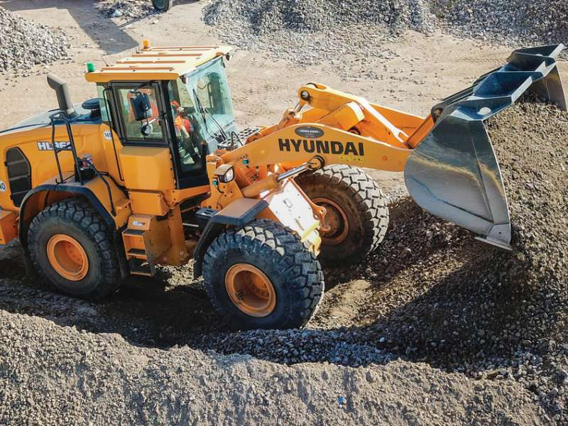 Hyundai HL960 wheel loader