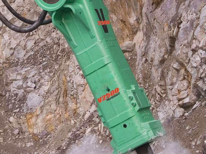 Montabert hydraulic breaker