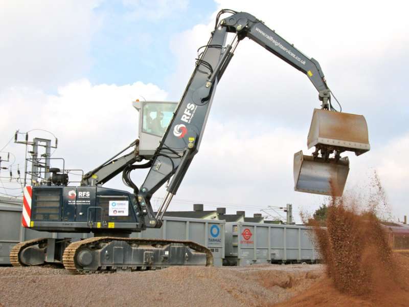 Rail Freight Services grab offloading
