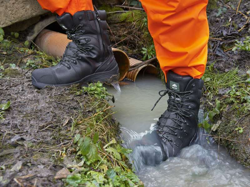 Monzonite safety boot