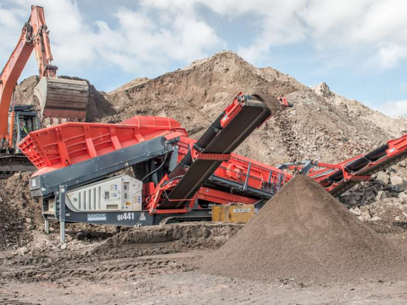 Sandvik QE441-J mobile scalper