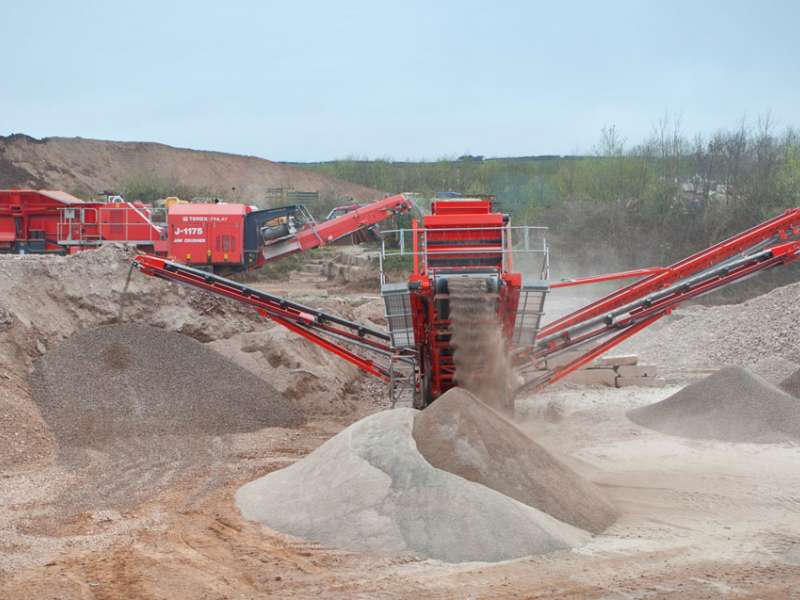 Terex Finlay 694 inclined screen