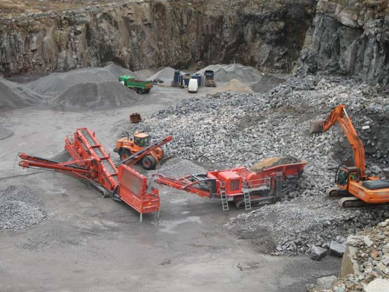 Terex Finlay J-1170 jaw crusher and 684 triple-deck screen