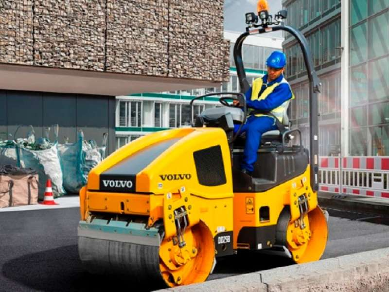 Volvo DD25B double-drum compactor
