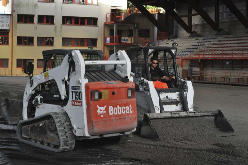 Bobcat tracked loaders chosen for unusual surfacing contract