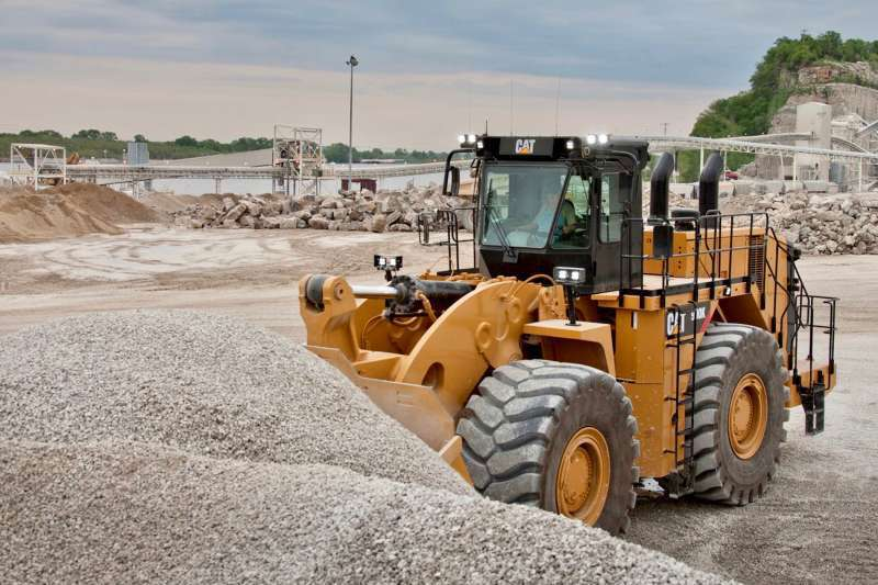 The new Cat 990K Aggregate Handler