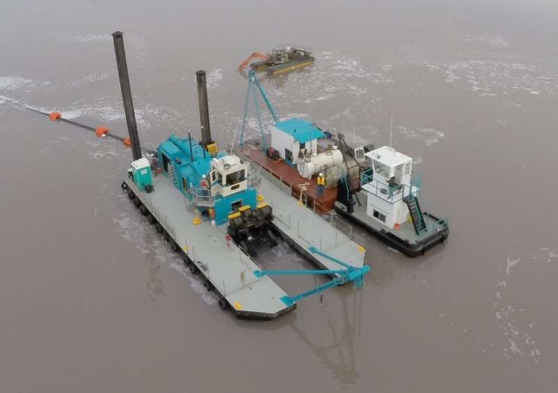 DSC Tier 4 Final dredger and barge
