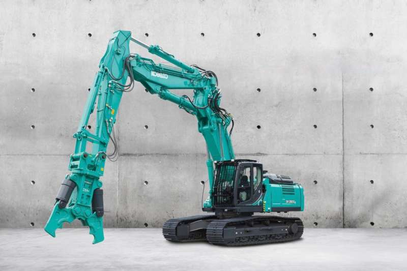 Kobelco demolition machine
