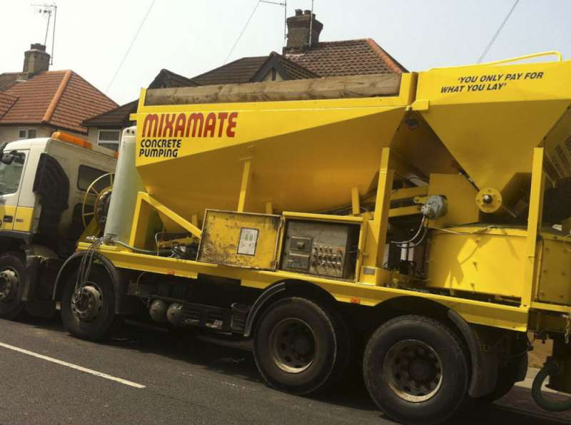 Mixamate concrete pumping truck