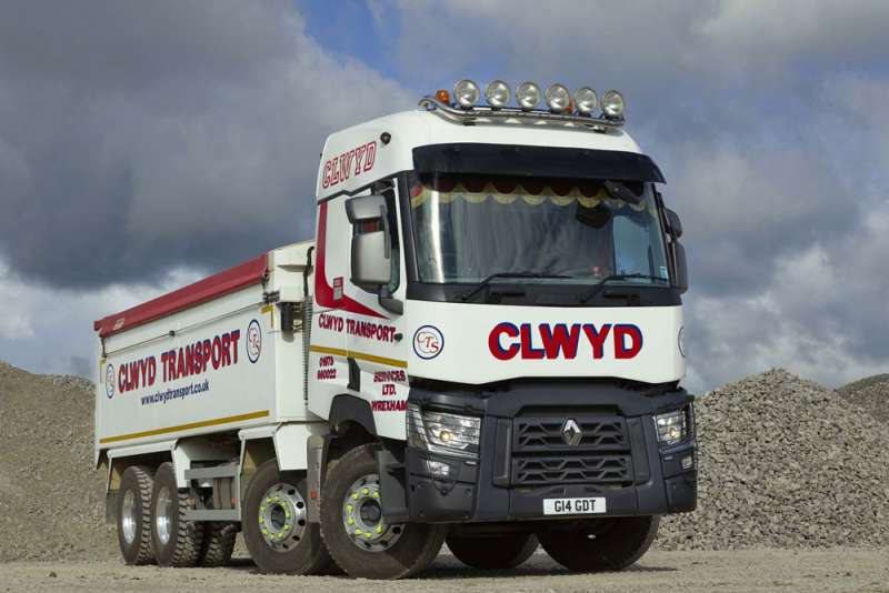 New renault truck for clwyd transport services agg net for Renault service garage