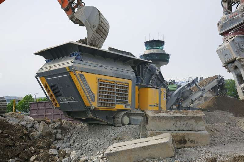 Rubble Master RM 100GO! impact crusher