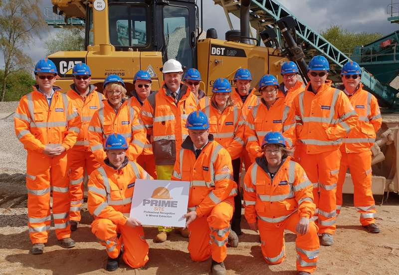 Staff at Grundon Sand & Gravel with IQ CEO James Thorne