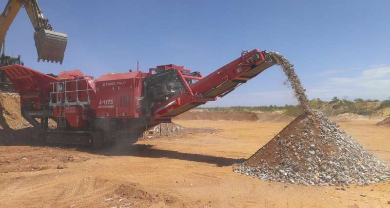 Terex Finlay and Bell Equipment sign deal