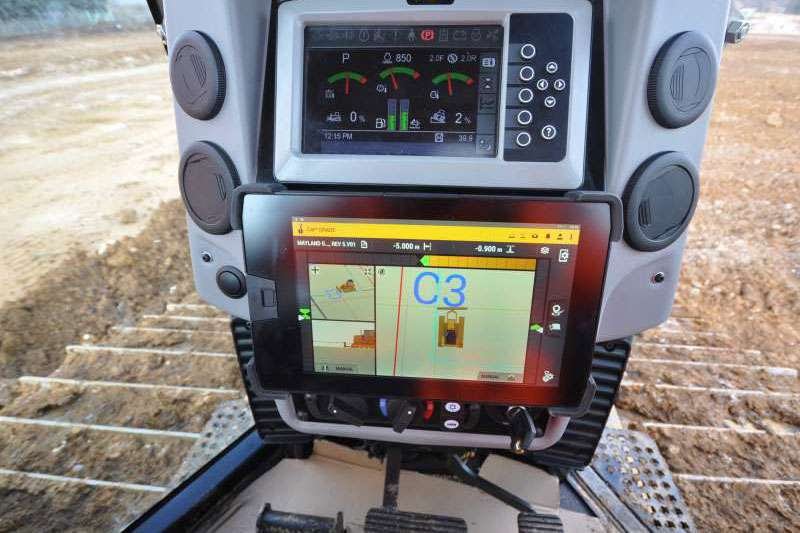 Trimble Earthworks for Dozers interface