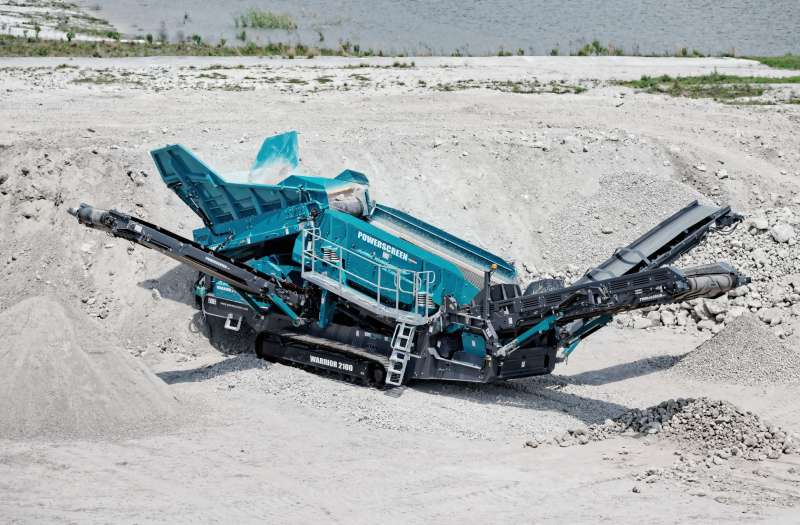 Powerscreen Warrior 2100 triple-shaft screen
