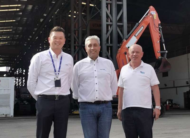 L-R: Danny Ang, managing director of WDG; Paulo Prazeres, APAC area sales manager with Sandvik Mobiles; and Jules Lee, sales manager for WDG