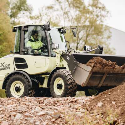 Prototype LX2 compact electric loader